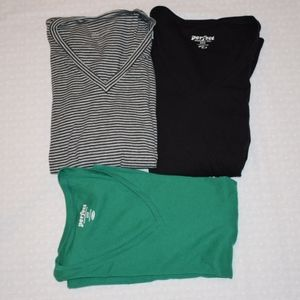 3 Old Navy V-Neck Long Sleeve T-Shirts Small